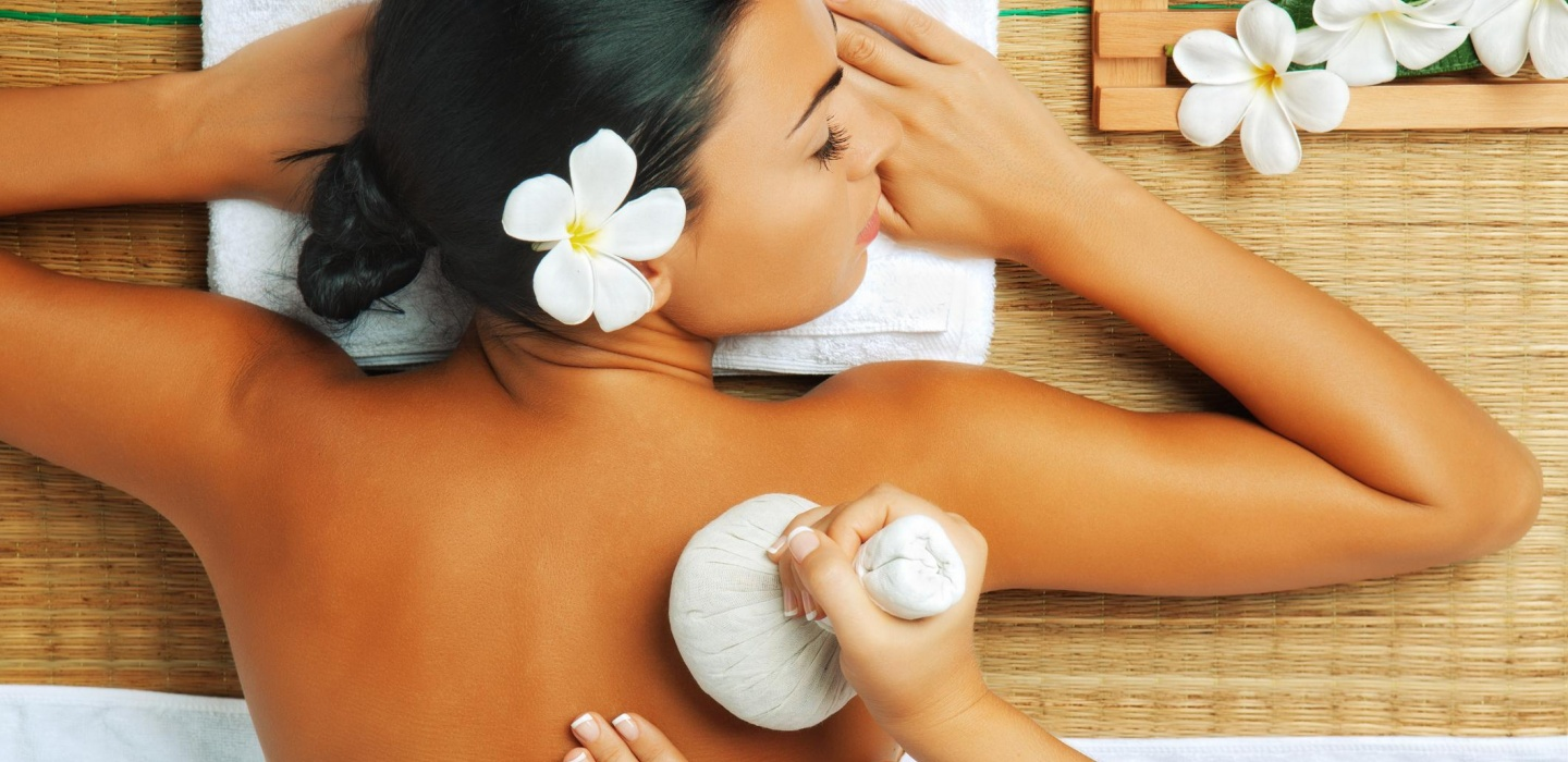 A lady is having an Ayurvedic Massage massage in Clout Twelve beauty Spa in London